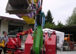 Sondermaschinen-Titelbild-TopTec-5500-mit-Hammer-und-Schwenkeinrichtg